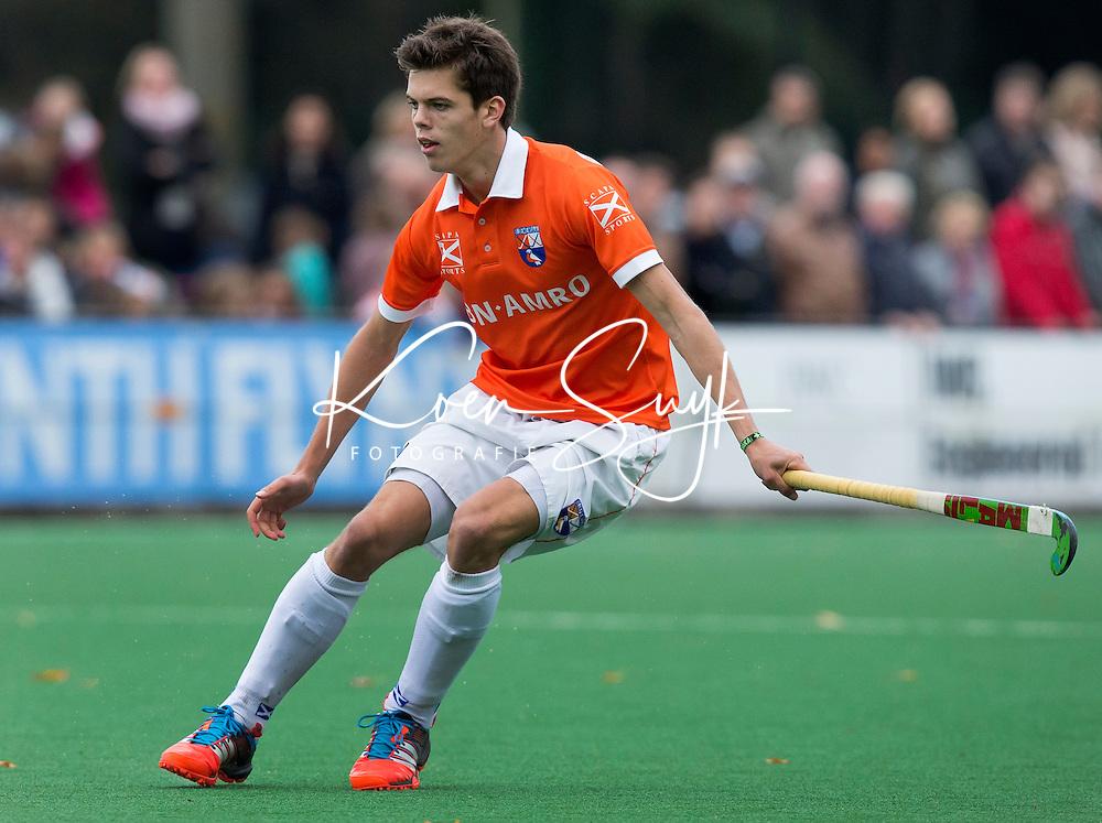 BLOEMENDAAL - Daniel Aarts van Bloemendaal tijdens de hoofdklasse competitiewedstrijd tussen de mannen van Bloemendaal en Oranje Zwart (3-4). COPYRIGHT KOEN SUYK