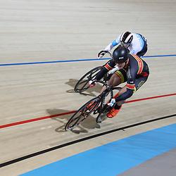 16-12-2016: Wielrennen: NK baanwielrennen: Apeldoorn  <br />APELDOORN (NED) wielrennen <br />Sam Ligtlee wint de eerste rit in de kwart finale