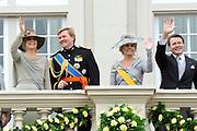 Prinsjesdag 2011 - Paleis Noordeinde Den Haag.  Op Prinsjesdag spreekt het staatshoofd, Koningin Beatrix, de troonrede uit. Daarin geeft de regering aan wat het regeringsbeleid zal zijn voor het komende jaar.<br /> <br /> Prinsjesdag (English: Prince's Day) is the day on which the reigning monarch of the Netherlands (currently Queen Beatrix) addresses a joint session of the Dutch Senate and House of Representatives in the Ridderzaal or Hall of Knights in The Hague. <br /> <br /> Op de foto/ On the Photo Prinses Maxima , Prins Willem Alexander , Prins Constantijn en Prinses Laurentien