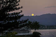 Full Moon, Kaneohe Bay, Oahu, Hawaii