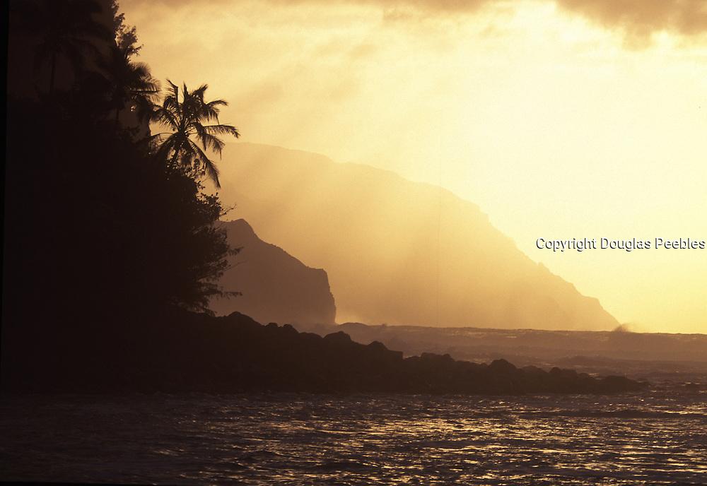 Sunset, Ke'e Beach, Napali Coast, Kauai, Hawaii, USA<br />