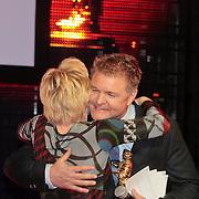 NLD/Amsterdam/20110328 - Uitreking Rembrandt Awards 2011,  Rene Mioch feliciteert Renee Soutendijk
