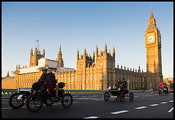 November 6, 2016 - London, London, United Kingdom - Image ©Licensed to i-Images Picture Agency. 06/11/2016. London, United Kingdom. ..The London to Brighton Veteran Car Run 2016...A procession of vintage cars travel past The Houses of Parliament in Westminster, London, UK, on the first leg of the journey from London to Brighton...Picture by Ben Stevens / i-Images (Credit Image: © Ben Stevens/i-Images via ZUMA Wire)