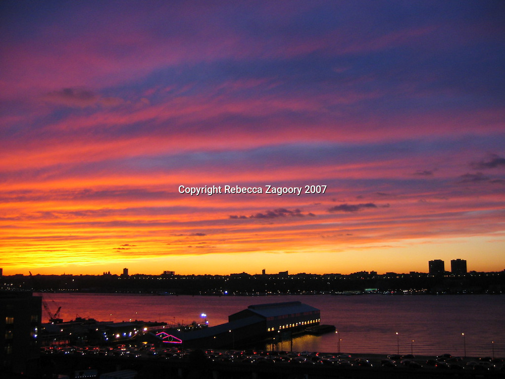 The Hudson River at sunset in Manhattan goes a long way in proving you can get great sky in NYC.