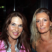NLD/Amsterdam/20081023 - Presentatie Perfect Age creme, Susan Blokhuis en vriendin Annemieke Rademakers