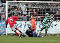 Photo: Paul Thomas. Kidderminster Harriers v Yeovil Town, Aggborough Stadium, Kidderminster. 16/04/2005. Mark Rawle misses an 'one on one' chance with the keeper to win the game for Kidderminster.