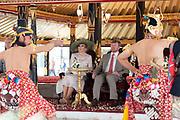 Staatsbezoek van Koning Willem Alexander en  Koningin Maxima aan Indonesie Dag 2 Java, Yogyaka Welkomstceremonie bij Kraton Yogyakarta, de woning van de Sultansfamilie Hamengku Buwono  ///  State visit of King Willem Alexander and Queen Maxima to Indonesia Day 2 Java, Yogyaka Welcome ceremony at Kraton Yogyakarta, the home of the Sultans family Hamengku Buwono