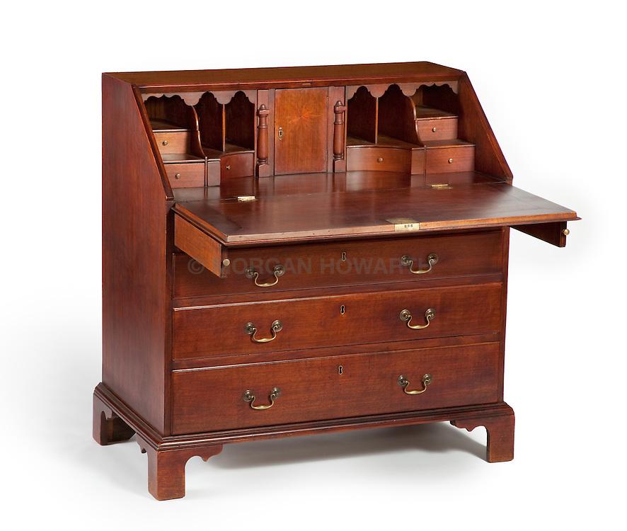 Walnut Fall Front Desk<br /> Dumfries or Central Virginia, Circa 1770<br /> Shop of Mardun Vaughn Eventon ( d.circa 1778)
