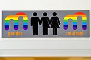 Nederland, Nijmegen, 18-5-2017Op het Montesori college is een gender neutraal toilet in gebruik genomen. Een initiatief van enkele leerlingen. Foto: Flip Franssen
