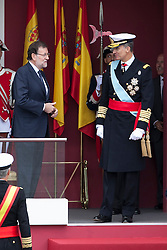 12.10.2015, Madrid, Madrid, ESP, Spanischer Nationalfeiertag, Royals, im Bild King Felipe VI of Spain (R) and Mariano Rajoy // during the celebration of the Spanish National Day military parade in Madrid in Madrid, Spain on 2015/10/12. EXPA Pictures © 2015, PhotoCredit: EXPA/ Alterphotos/ Victor Blanco<br /> <br /> *****ATTENTION - OUT of ESP, SUI*****