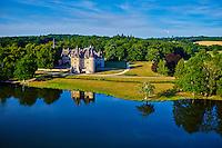 France, Cher (18), Berry, château de la Verrerie, vue aérienne, route Jacques Coeur // France, Cher (18), Berry, the Jacques Coeur road, chateau de la Verrerie castle, aerial view