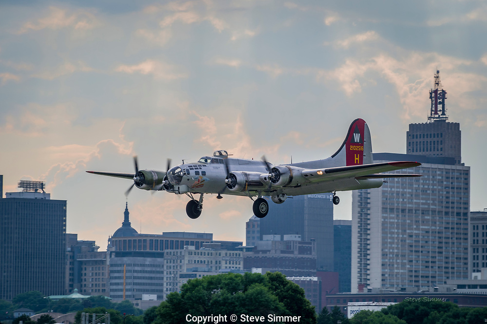 The B-17 Superfortress played a critical role during WW II n bombing German industrial sites. Important features of this aircraft included armoring to protect the crew and mounted, heavy machine guns that protected the craft on all sides. These measures reduced bomb-carrying capacity, but increased the success rate and longevity of the craft and crews.