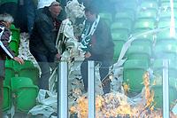 Fotball<br /> Nederland<br /> Foto: ProShots/Digitalsport<br /> NORWAY ONLY<br /> <br /> voetbal fc groningen - ajax erediivisie seizoen 2007-2008 13-04-2008 ongeregeldheden bij begin wedstrijd met brand op de tribune<br />   <br /> Brann på tribunen stoppet kampen mellom Groeningen og Ajax