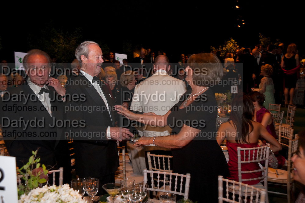SIR MARK WEINBERG; DUKE OF MARLBOROUGH; LADY ANNABEL GOLDSMITH, The Ormeley dinner in aid of the Ecology Trust and the Aspinall Foundation. Ormeley Lodge. Richmond. London. 29 April 2009