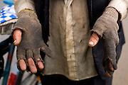 Oliveira_MG, Brasil...Detalhe da mao de um andarilho...Detail of homeless hands. ..Foto: LEO DRUMOND / NITRO