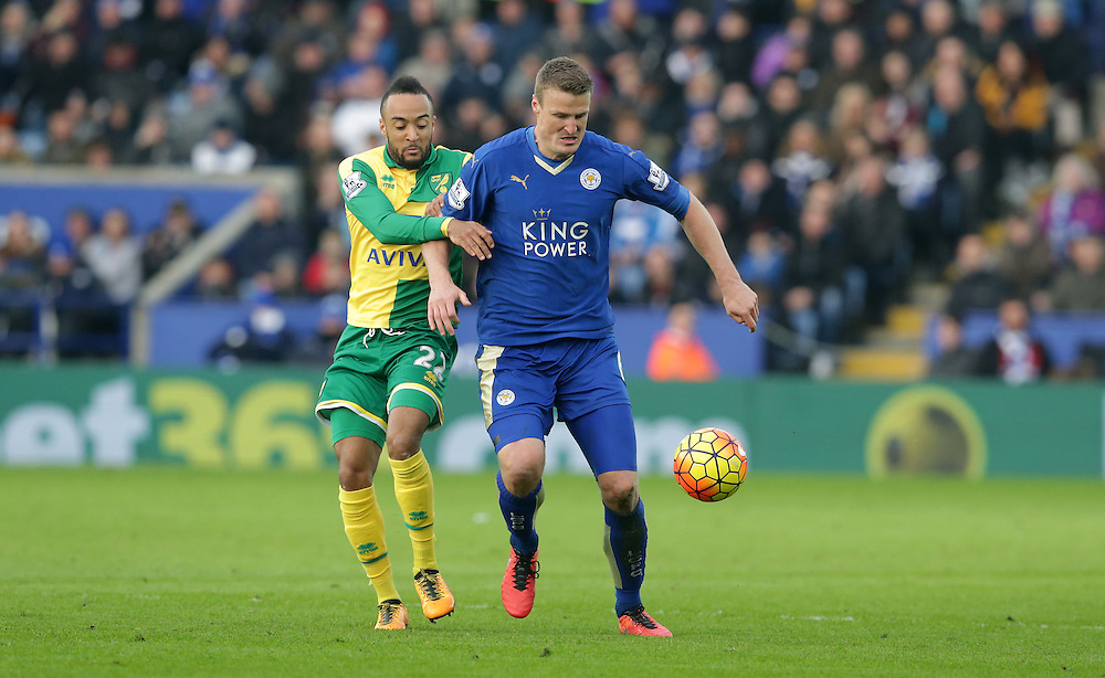 Leicester City's Robert Huth shields the ball from Norwich City's Nathan Redmond<br /> <br /> Photographer Stephen White/CameraSport<br /> <br /> Football - Barclays Premiership - Leicester City v Norwich City - Saturday 27th February 2016 - King Power Stadium - Leicester<br /> <br /> © CameraSport - 43 Linden Ave. Countesthorpe. Leicester. England. LE8 5PG - Tel: +44 (0) 116 277 4147 - admin@camerasport.com - www.camerasport.com