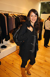 LISA MOORISH at the launch party for the Comptoir des Cotonniers boutique, 235 Westbourne Grove, London W11 on 25th October 2006.<br />