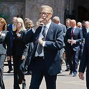 NLD/Laren/20110711 - Uitvaart Jaap Blokker, John de Mol sr.