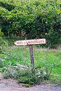 Old sign to the Mas des Morgues de Gres Chateau Mourgues du Gres Grès, Costieres de Nimes, Bouches du Rhone, Provence, France, Europe