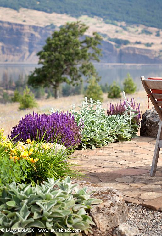 Columbia Gorge garden patio view