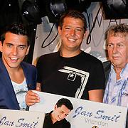 """NLD/Volendam/20120809 - CD presentatie en Gouden Plaaat Jan Smit """" Vrienden"""", Jan Smit, Aloys Buys, Jaap Buys"""