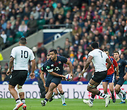 Twickenham, United Kingdom. Billy VUNIPOLA, looking for a pass during the Old Mutual Wealth Series Rest Match, : England vs Fiji, at the RFU Stadium, Twickenham, England, Saturday  19/11/2016<br /><br />[Mandatory Credit; Peter Spurrier/Intersport-images]
