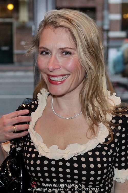 NLD/Amsterdam/20120420 - Show Joan Collins, Elle van Rijn