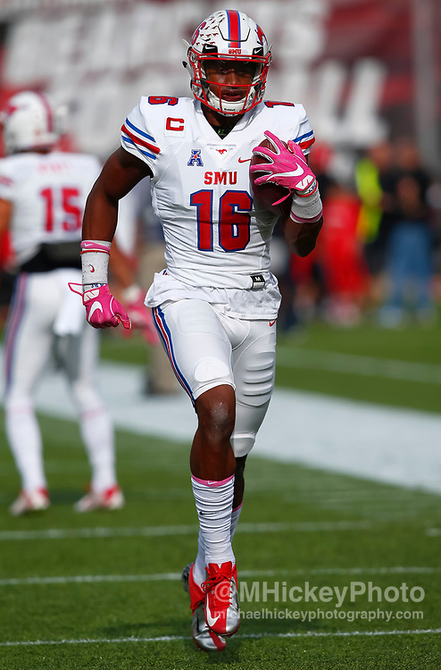 CINCINNATI, OH - OCTOBER 21: Courtland Sutton #16 of the Southern Methodist Mustangs is seen before the game against the Cincinnati Bearcats at Nippert Stadium on October 21, 2017 in Cincinnati, Ohio. (Photo by Michael Hickey/Getty Images) *** Local Caption *** Courtland Sutton