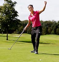 EEMNES - In the Hole!!!!!  Golfprofessional Dewi Claire Schteefel , ambassadeur NGF GIRLZ golf,  COPYRIGHT KOEN SUYK