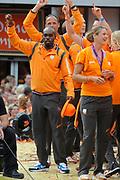 Nederlandse Olympische ploeg komt thuis en wordt gehuldigd op het plein voor Station Den Bosch.<br /> <br /> Op de foto: Churandy Martina