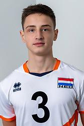 21-12-2018 NED: Photoshoot selection of Orange Young Boys, Arnhem <br /> Orange Young Boys 2018 - 2019 / Alek Aleksov #3
