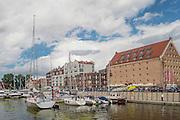 Gdańsk, (woj. pomorskie) 18.07.2016. Marina Gdańsk. Port jachtowy w centrum starego miasta.