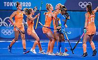 TOKIO - Caia Van Maasakker (NED) neemt de strafcorner  en Margot Van Geffen (NED) heeft gescoord,  tijdens de wedstrijd dames , Nederland-India (5-1) tijdens de Olympische Spelen   .   COPYRIGHT KOEN SUYK