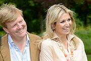 Koninklijke fotosessie 2013 op landgoed De Horsten ( het huis van de koninklijke familie)  in Wassenaar.<br /> <br /> Royal photoshoot 2013 at De Horsten estate (the home of the royal family) in Wassenaar.<br /> <br /> Op de foto / On the photo: <br /> <br />  Koning Willem-Alexander en koningin Maxima<br /> <br /> King Willem-Alexander and Queen Maxima