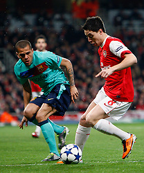 16.02.2011, Emirates Stadium, London, ENG, UEFA CL, FC Arsenal vs FC Barcelona, im Bild Action Arsenal's Samir Nasri and Barcelona's Gerard Pique   in Arsenal vs Barcelona for the UCL  ,Round of last 16, at the Emirates Stadium in London on 16/02/2011, EXPA Pictures © 2011, PhotoCredit: EXPA/ IPS/ Kieran Galvin +++++ ATTENTION - OUT OF ENGLAND/GBR and France/ FRA +++++