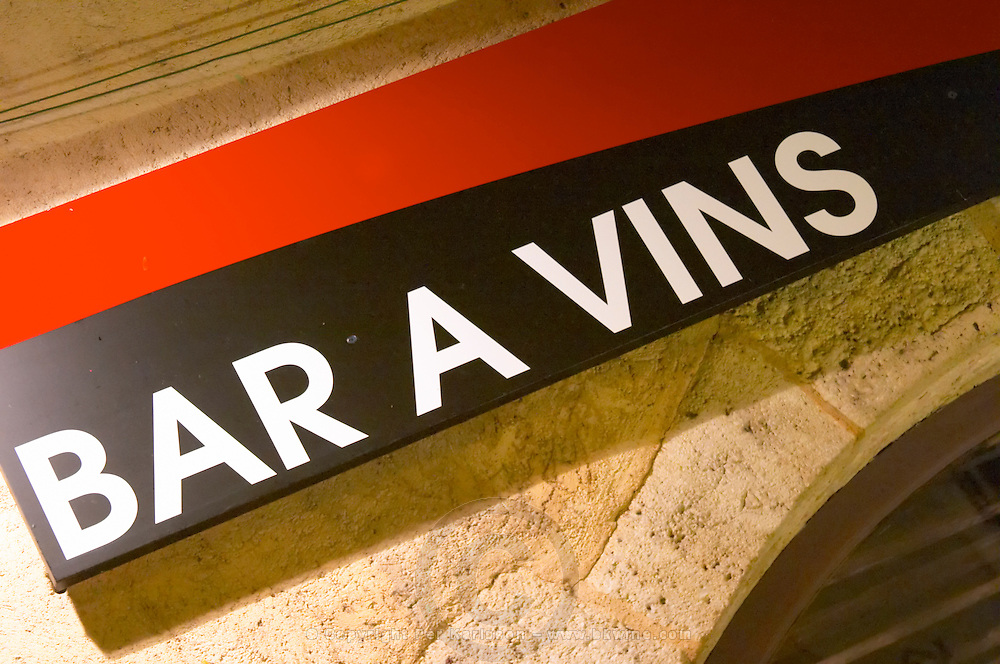 Brasserie, bar a vin, wine bar.  La Part des Anges. Beaune, cote de Beaune, d'Or, Burgundy, France