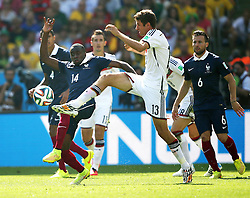 04.07.2014, Maracana, Rio de Janeiro, BRA, FIFA WM, Frankreich vs Deutschland, Viertelfinale, im Bild Thomas Mueller, right, from Germany fights for the ball against Blaise Matuidi, left, from France // during quarterfinals between France and Germany of the FIFA Worldcup Brazil 2014 at the Maracana in Rio de Janeiro, Brazil on 2014/07/04. EXPA Pictures © 2014, PhotoCredit: EXPA/ Eibner-Pressefoto/ Cezaro<br /> <br /> *****ATTENTION - OUT of GER*****