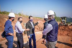 Prefeito Nelson Marchezan Júnior durante visita de vistoria das obras de pavimentação e infraestrutura da Estrada das Furnas. FOTO: Jefferson Bernardes/PMPA