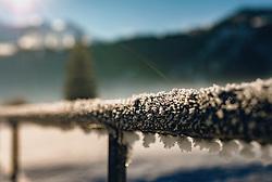 THEMENBILD - Winterlandschaft zwischen Kaprun und Piesendorf. Gefrorener Schnee an einer Zaunstange, aufgenommen am 28. Dezember 2019, Kaprun, Österreich // Winterlandscape between Kaprun and Piesendorf on 2019/12/28, Kaprun, Austria. EXPA Pictures © 2019, PhotoCredit: EXPA/ Stefanie Oberhauser