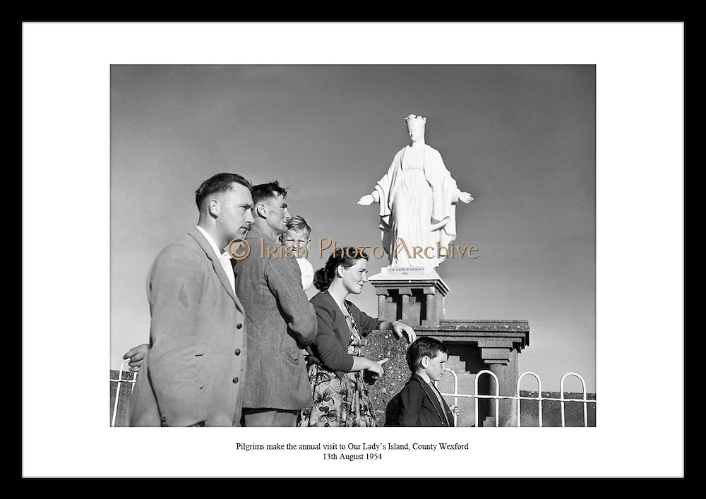 Vintage images of Irish people are very unique and special. Irish Photo Archive has a great photo gallery of old Irish photographs.