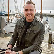 NLD/Volendam/20150305 - Winston Gerschtanowitz onthult grootste 100%NL Magazine aller tijden, Jamai Loman