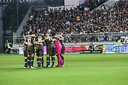 Fussball: 2. Bundesliga, FC St. Pauli - Holstein Kiel 2:1, Hamburg, 26.08.2019<br /> Spieler-Kreis (Pauli)<br /> © Torsten Helmke