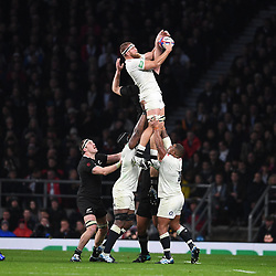 November 10, 2018 - London, United Kingdom - England face the All Blacks at Twickenham Stadium during the Quilter Internationals. England hung in the contest in dreadful conditions, and with five minutes to go celebrated as Underhill profited from a Lawes charge-down to dive into the corner. (Credit Image: © Andrew Parsons/i-Images via ZUMA Press)