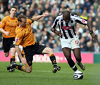 Photo: Mark Stephenson/Sportsbeat Images.<br /> West Bromwich Albion v Wolverhampton Wanderers. Coca Cola Championship. 25/11/2007.west Brom's Ismael Miller on the ball from Jody Craddock