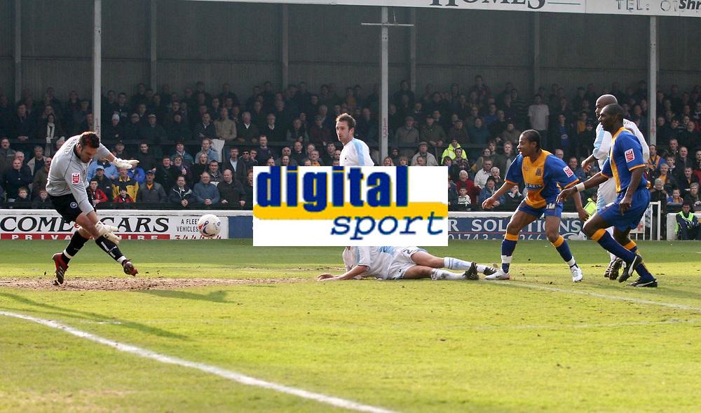 Photo: Mark Stephenson.<br />Shrewsbury Town v Torquay United. Coca Cola League 2. 24/03/2007. Shrewsbury's Derek Asamoah shoots at goal