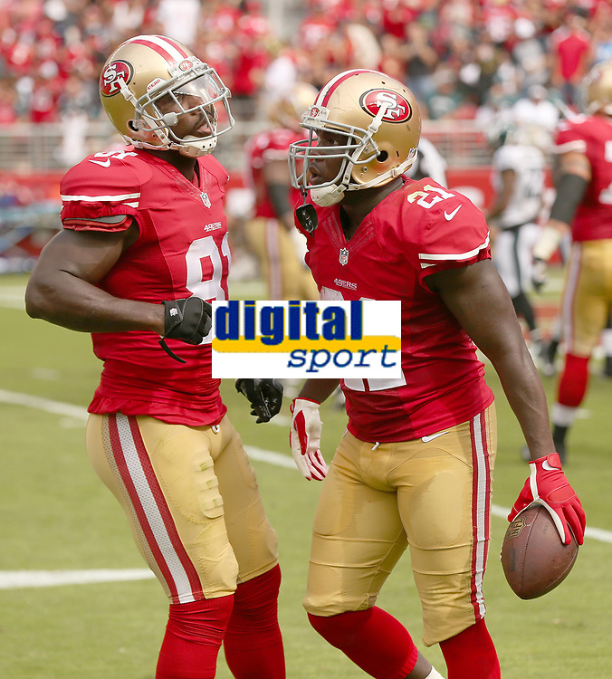 28 September 2014: Frank Gore of the San Francisco 49ers is congratulated by Anquan Boldin during an NFL American Football Herren USA game between the Niners and the Philadelphia Eagles at Levi s Stadium in Santa Clara, CA. The 49ers won the game 26-21. NFL American Football Herren USA SEP 28 Eagles at 49ers PUBLICATIONxINxGERxSUIxAUTxHUNxRUSxSWExNORxONLY Icon464278004<br /> <br /> 28 September 2014 Frank Gore of The San Francisco 49ers is congratulated by Anquan Boldin during to NFL American Football men USA Game between The Niners and The Philadelphia Eagles AT Levi s Stage in Santa Clara Approx The 49ers Won The Game 26 21 NFL American Football men USA Sep 28 Eagles AT 49ers PUBLICATIONxINxGERxSUIxAUTxHUNxRUSxSWExNORxONLY Icon464278004
