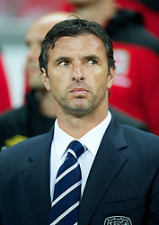 06.09.2011, Wembley Stadium, London, GBR, UEFA EURO 2012, Qualifikation, England vs Wales, im Bild Wales' manager Gary Speed MBE against England during the UEFA Euro 2012 Qualifying Group G match at Wembley Stadium on 6/9/2011. EXPA Pictures © 2011, PhotoCredit: EXPA/ Propaganda Photo/ David Rawcliff +++++ ATTENTION - OUT OF ENGLAND/GBR+++++
