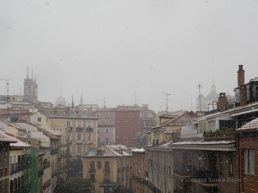 Madrid, Spain. 7th January, 2021. Buildings of Segovia street during the snowfall due storm Filomena. Storm Filomena hits Madrid (Spain), a weather alert was issued for cold temperatures and heavy snow storms across Spain; according to the weather agency Aemet is expected to be one of the snowiest days in recent years. © Valentin Sama-Rojo.