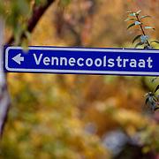 NLD/Hilversum/20081006 - Straatnaambord Venecoolstraat Hilversum
