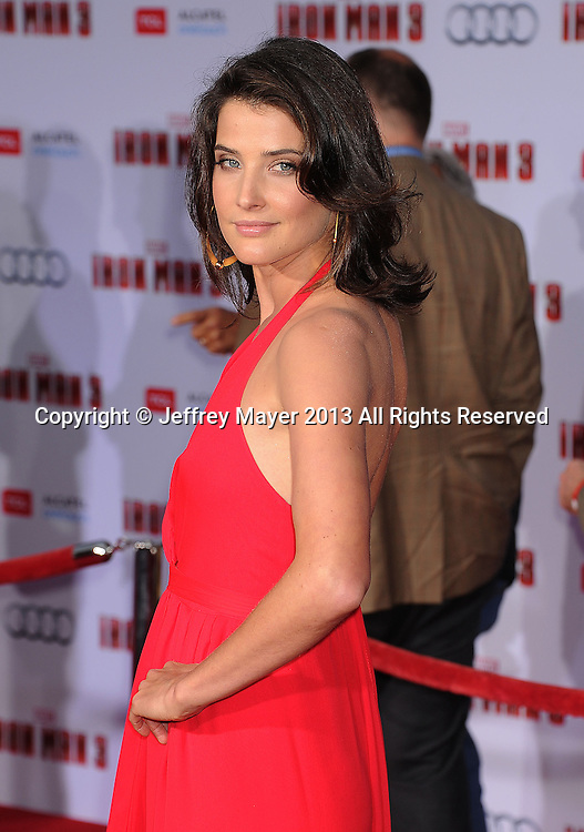 """HOLLYWOOD, CA- APRIL 24: Actress Cobie Smulders arrives at the Los Angeles Premiere of """"Iron Man 3"""" at the El Capitan Theatre on April 24, 2013 in Hollywood, California."""